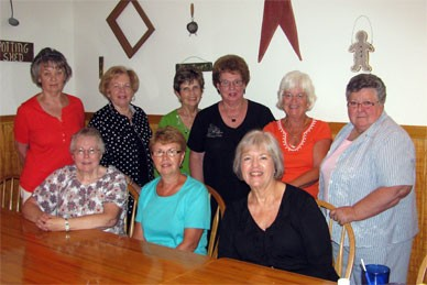 '59 gals at lunch